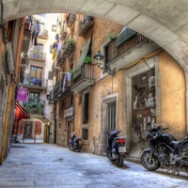 Barcelona Alley – August 14, 2011